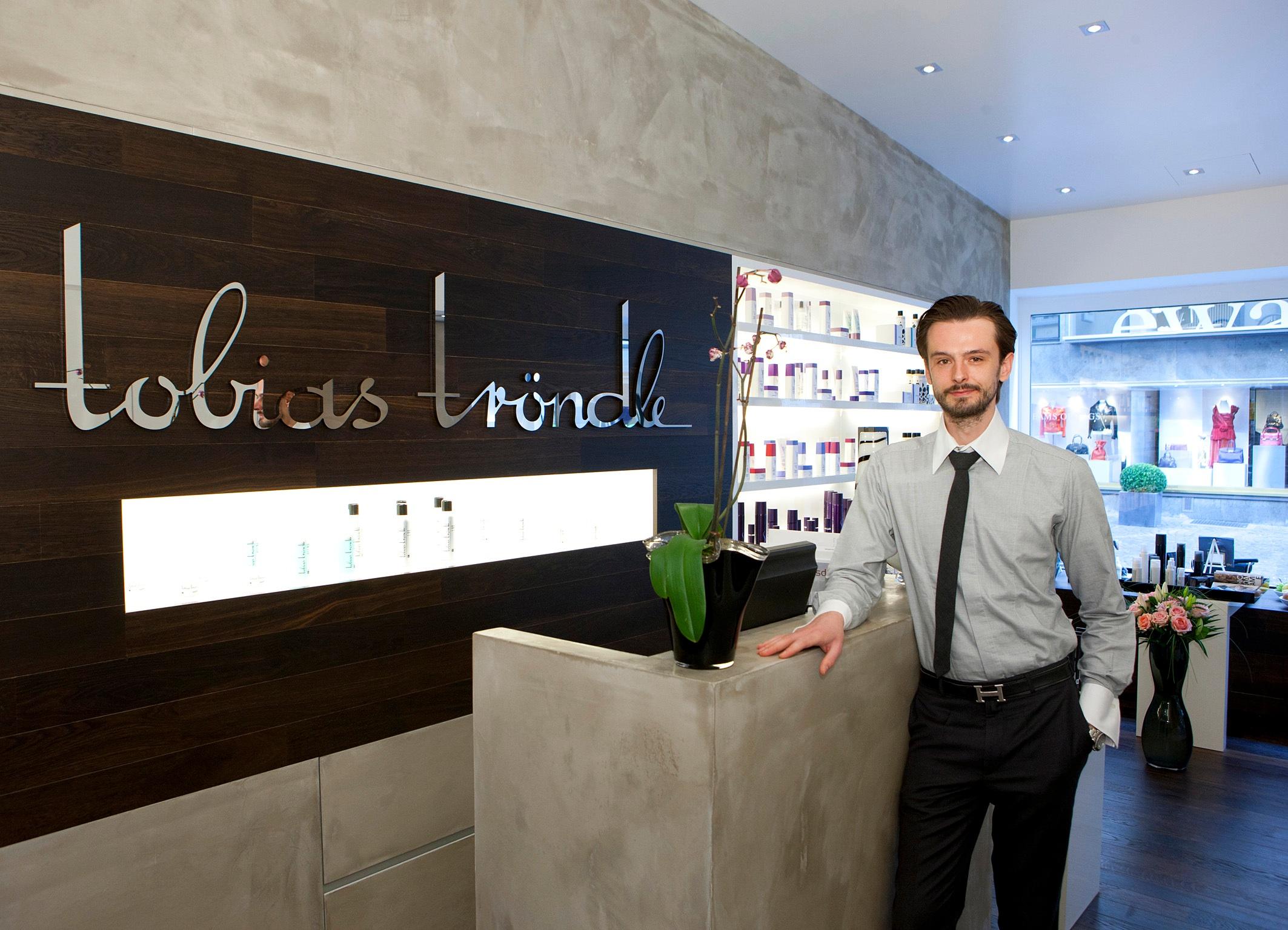Tobias Tröndle heißt Sie herzlich willkommen in seinem frankfurter Boutique-Salon